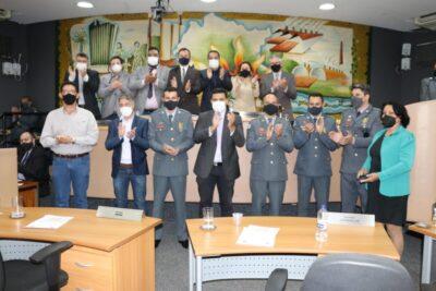 Bombeiros são agraciados com medalhas em solenidade na Câmara de Mogi Guaçu