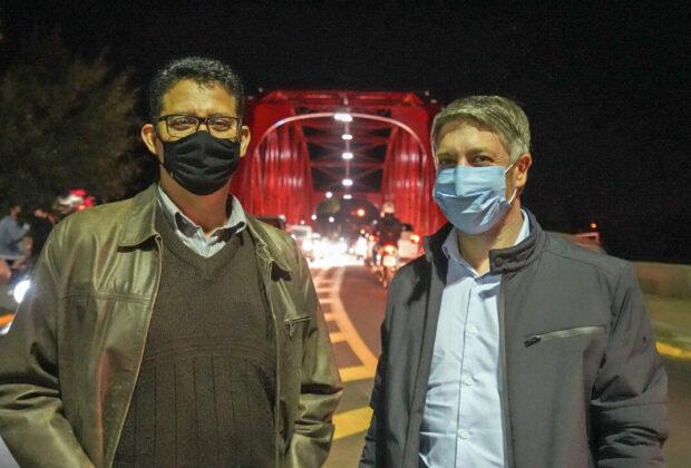 Rodrigo Falsetti realiza ato simbólico de entrega da revitalização da Ponte de Ferro